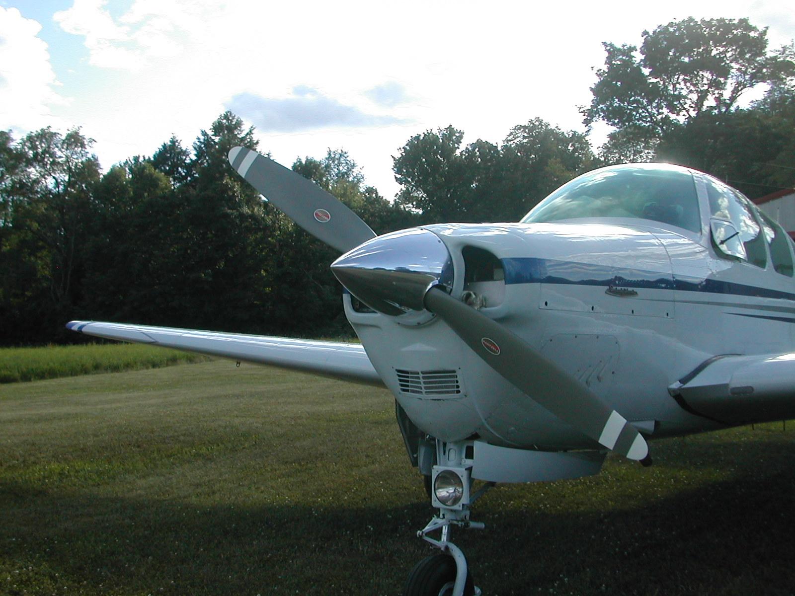 Beechcraft_Bonanza-and-Debonair_IO-470-2-blade