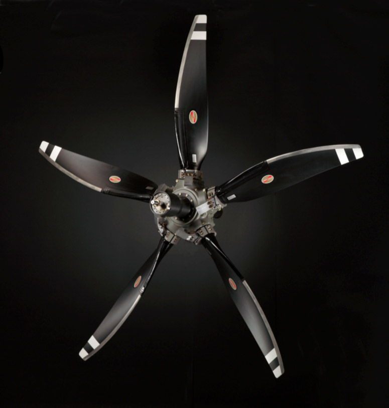 Composite Propellers: Turboprop Engine Aircraft | Hartzell ...