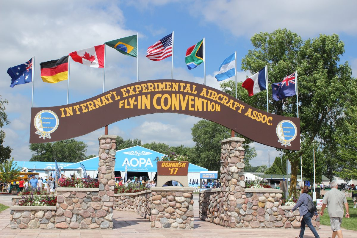 EAA AirVenture Oshkosh welcome sign