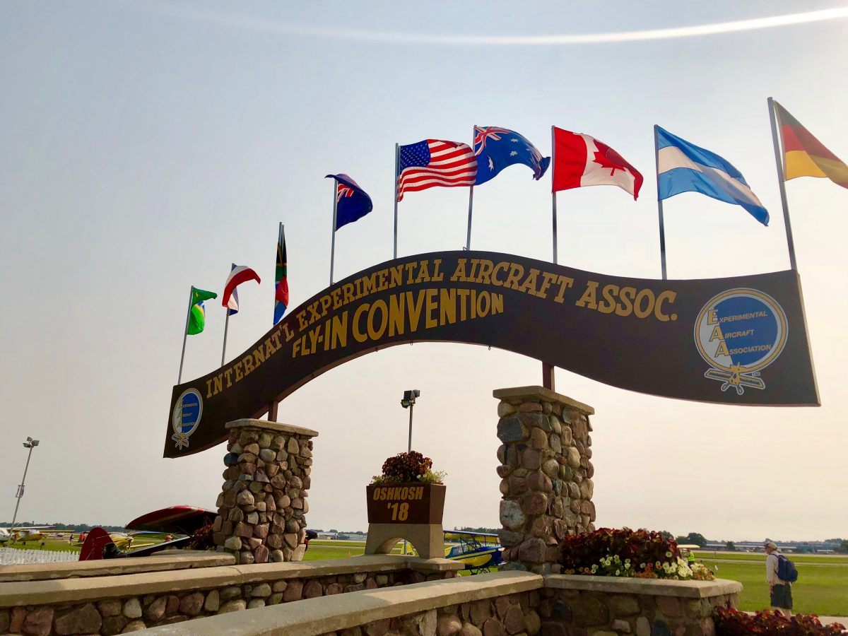EAA Oshkosh 2018 welcome sign
