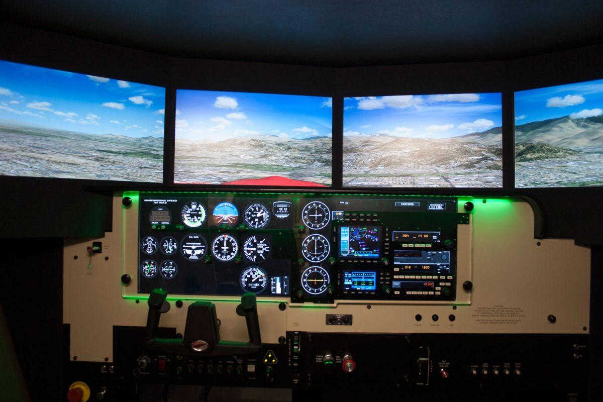 Redbird Flight Simulations FMX Cockpit