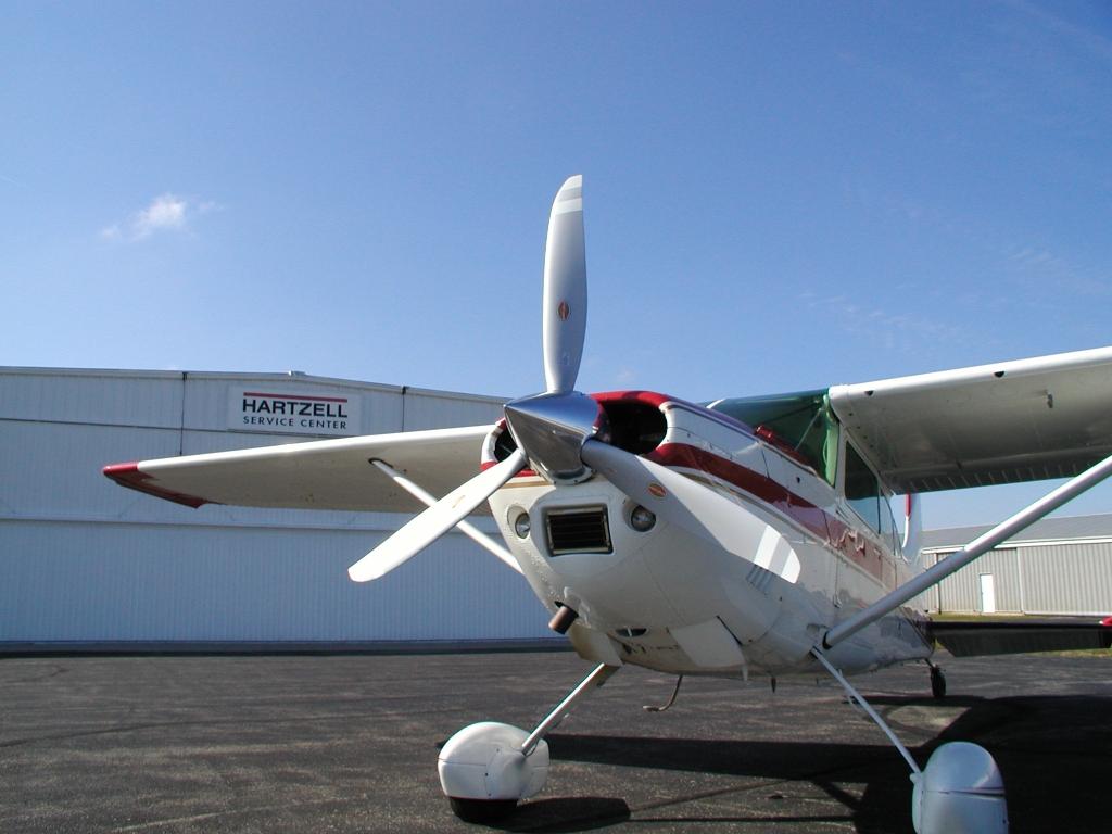 three-blade hartzell scimitar propeller
